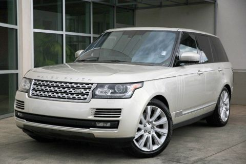 CERTIFIED PRE-OWNED 2014 LAND ROVER RANGE ROVER SUPERCHARGED WITH NAVIGATION & 4WD