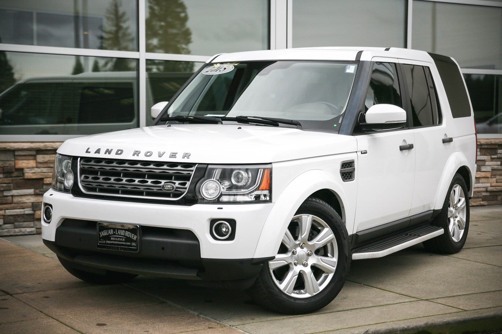 certified pre owned 2015 land rover lr4 hse sport utility in lynnwood 8377 land rover seattle. Black Bedroom Furniture Sets. Home Design Ideas