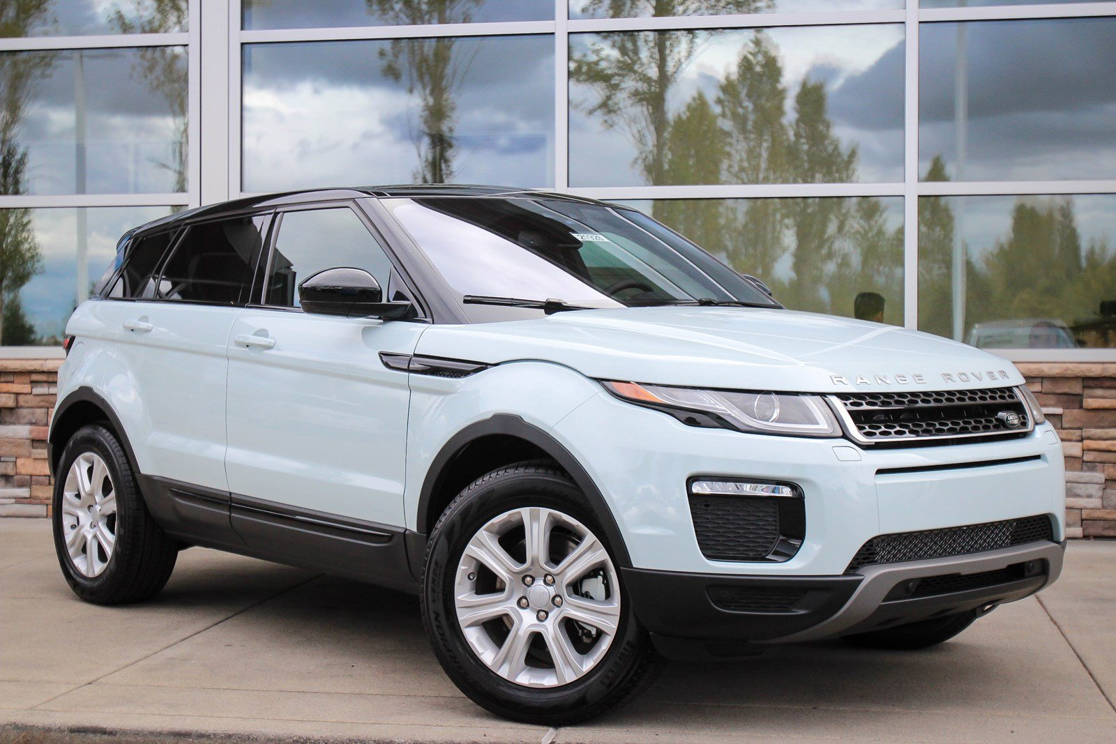 new 2017 land rover range rover evoque se premium sport utility in lynnwood 21928 land rover. Black Bedroom Furniture Sets. Home Design Ideas
