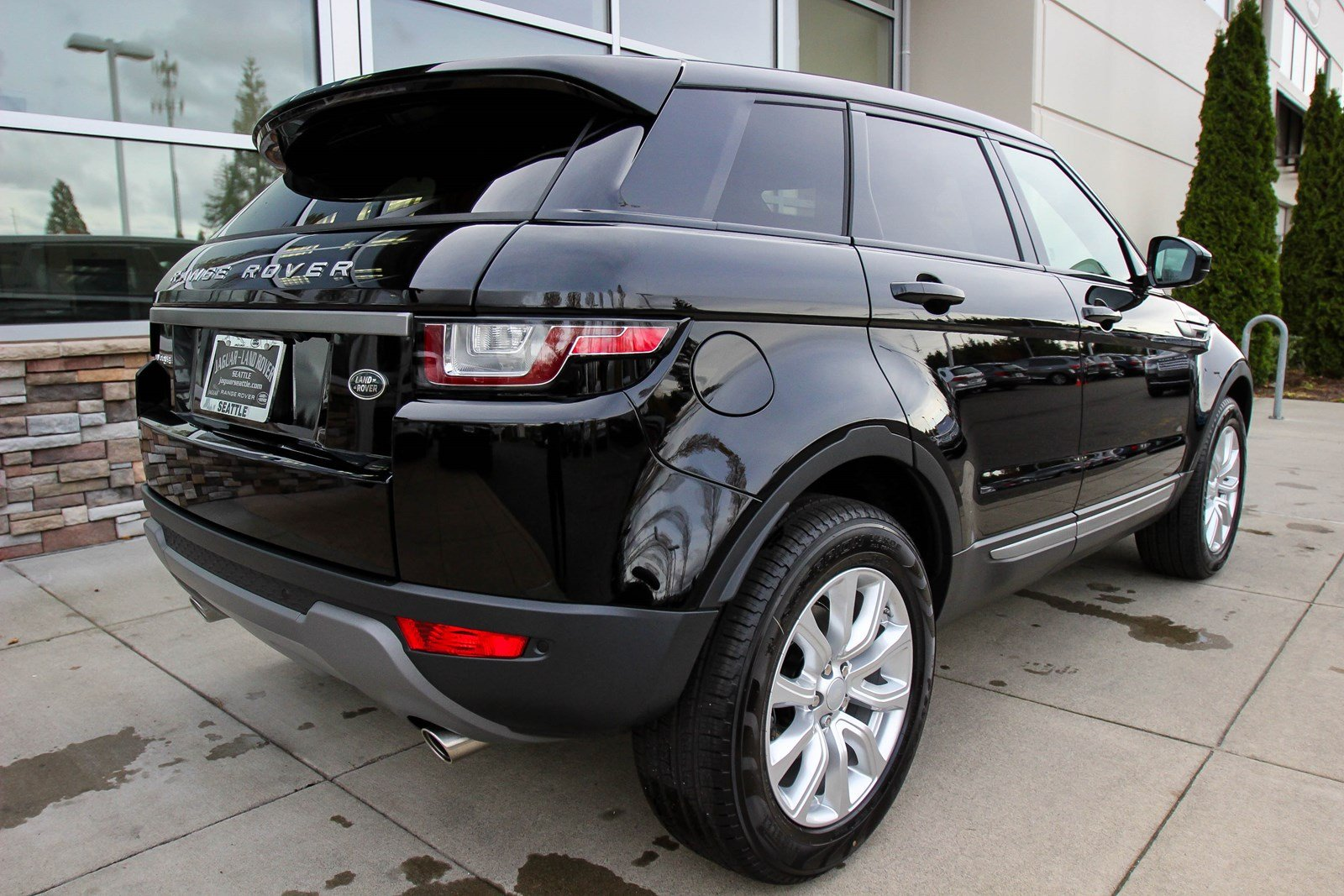 new 2018 land rover range rover evoque se sport utility in lynnwood 21989 land rover seattle. Black Bedroom Furniture Sets. Home Design Ideas