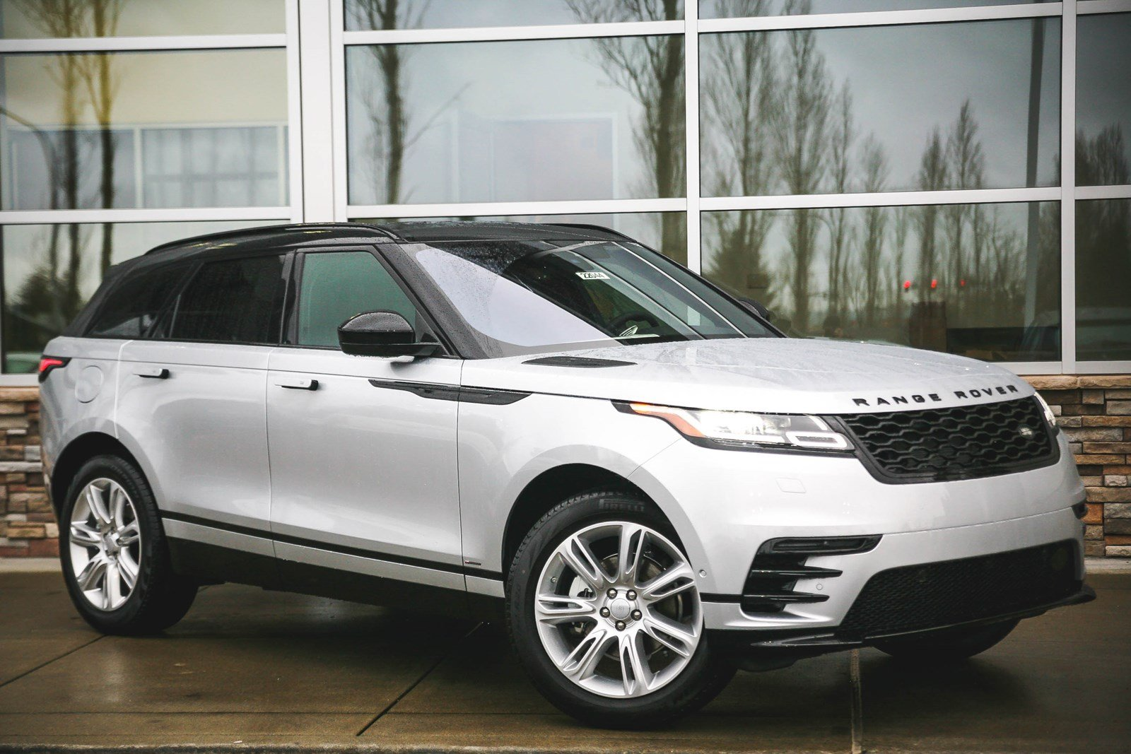 new 2018 land rover range rover velar r dynamic se sport utility in lynnwood 22044 land rover. Black Bedroom Furniture Sets. Home Design Ideas