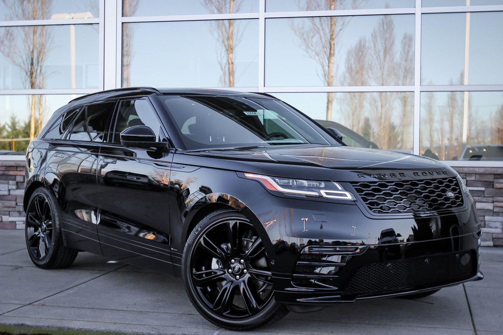 new 2018 land rover range rover velar r dynamic hse sport. Black Bedroom Furniture Sets. Home Design Ideas